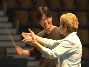 Marin Alsop working with a workshop participant at the Conductor/Composer Training Workshop.